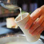 2年間店を閉め九州へ修行に。二十歳のスタッフと博多水炊きを学ぶ「スタミナハウス神戸屋」松井孝臣さん